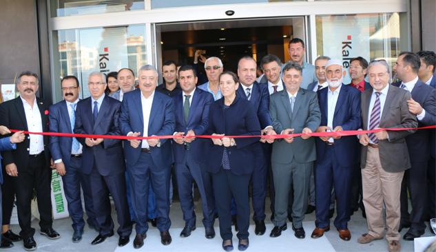 Kahraman 35 Yapı Market 3. Şubesini Gaziemir'de Açtı