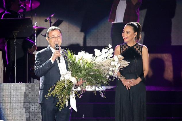 DAP İzmir Ebru Gündeş Konseriyle Lansmana Çıktı