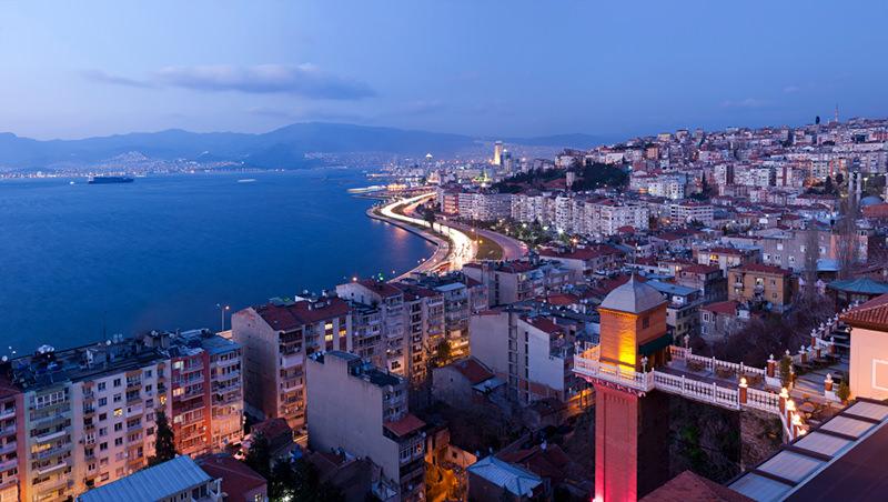 İzmir'de Ağustos Ayında 6 bin 419 Konut Satıldı