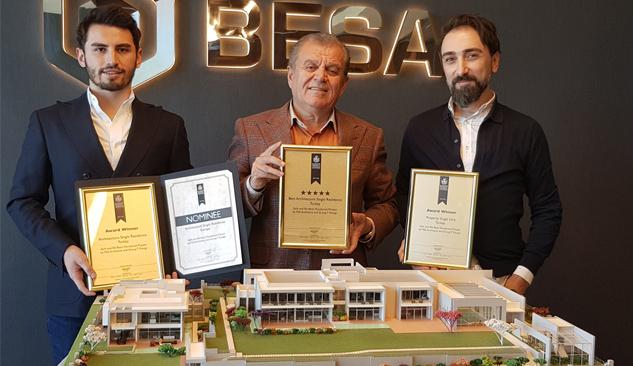 Salih Bezci-Efe Bezci Villa Projesi Londra'dan 3 Ödülle Döndü