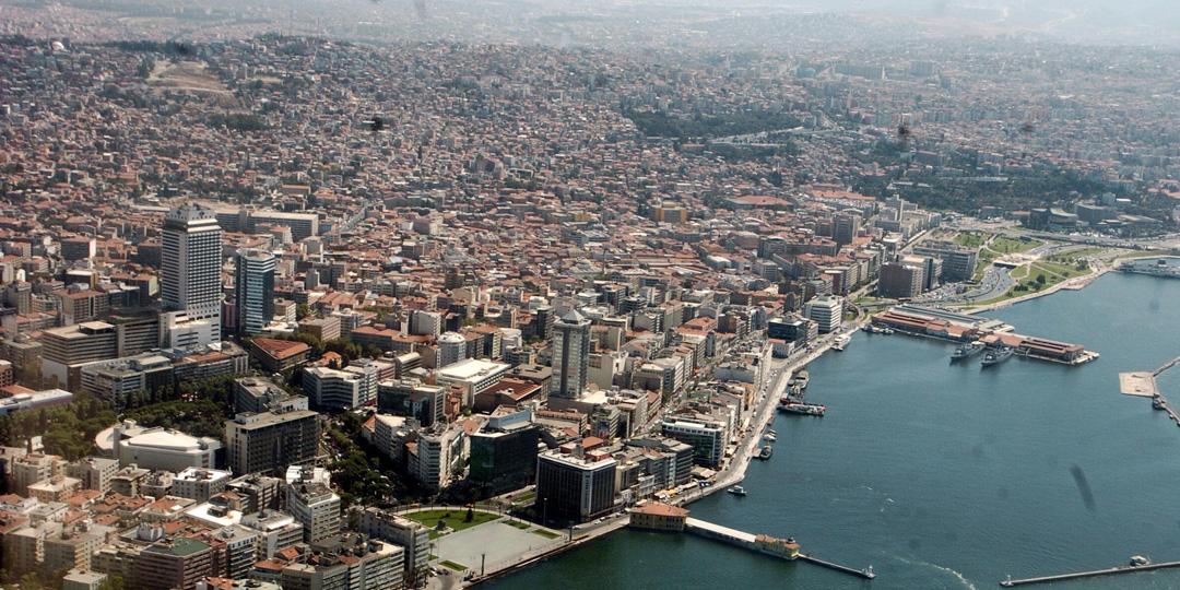 İzmir'in 8 İlçesinde 15 Mahallenin İmar Planları Askıya Çıktı