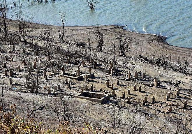 Baraj Altından Çıkan Köye Ziyaretçi Akını