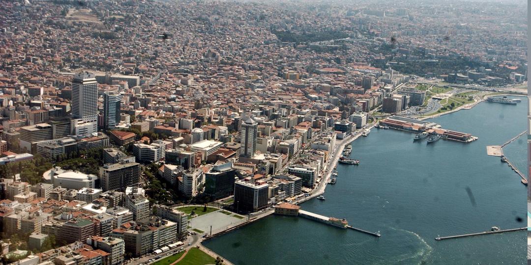 İzmir İstanbul'u Üçe Katladı!