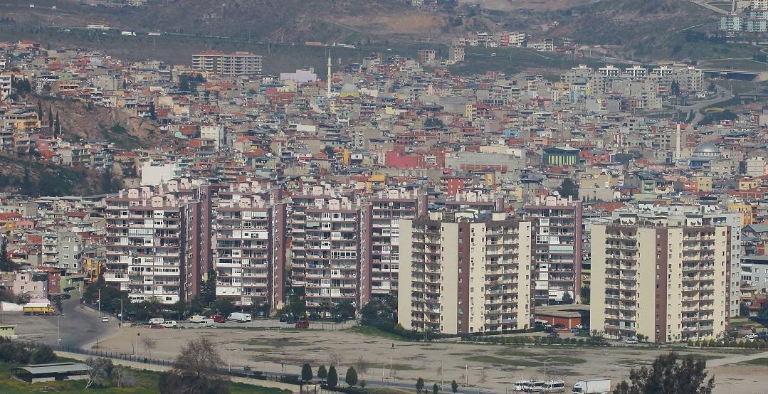 Bayraklı'da 30 Yıllık Tapu Sorunu Çözüldü