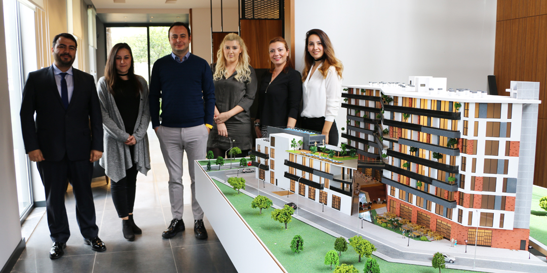 """""""Yücesoy'un Merkezdeki Projeleri İzmir'in Nazar Boncuğu"""""""