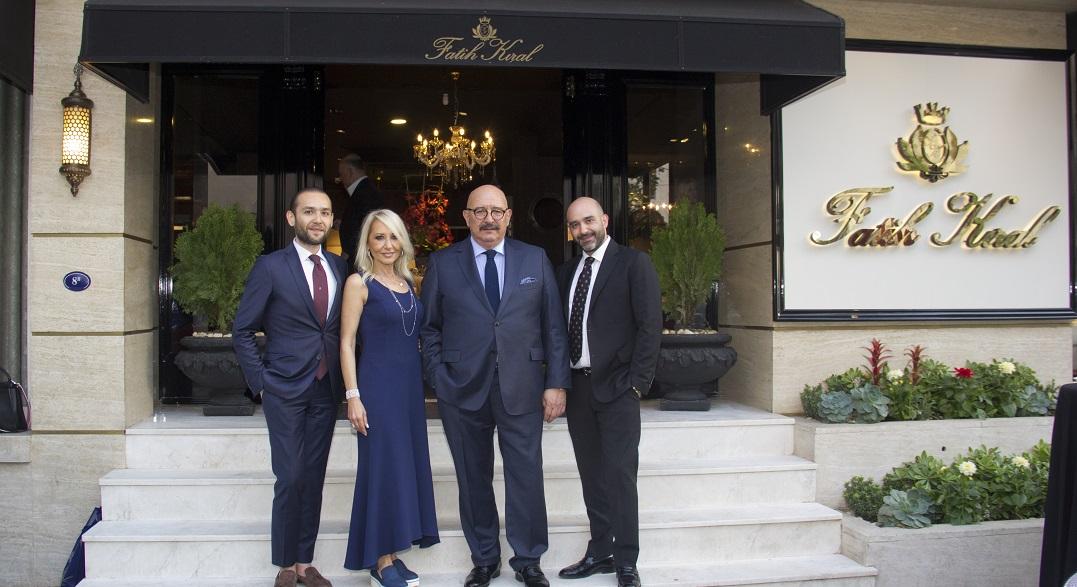 Fatih Kıral Mobilya 14. Mağazasını İzmir'de Açtı