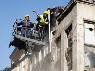 Fatih'te Metruk Binaların Yıkımı Başladı