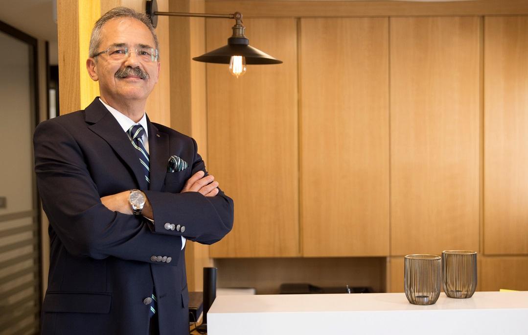 Konut Almayı Öteleyenler Satış Ofislerine Akın Ediyor