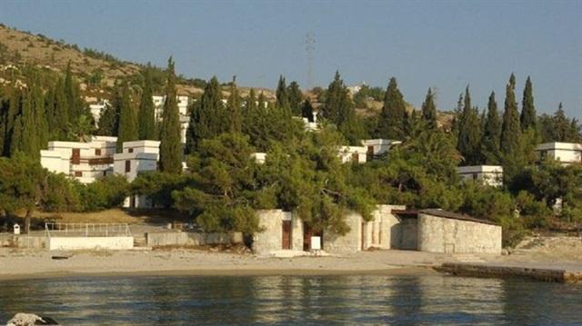 Foça Fransız Tatil Köyü İhaleye Çıkıyor