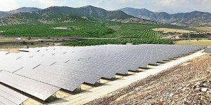 Türkiye'nin En Büyük Güneş Enerjisi Tarlası İzmir'de Kuruldu