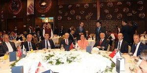 İngiliz Exim'i 30 Milyar Pound Bütçesini  Türk Müteahhitlerle Paylaşmaya Hazır