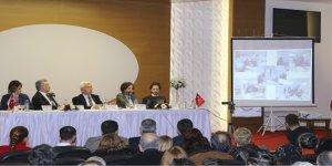 İzmir, Kamu Desteği Olmadan Kendini Dönüştürebilecek Bir İl